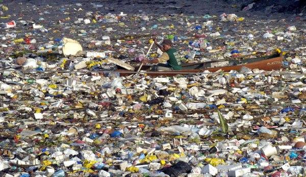 plastic-ocean1